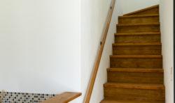 八幡西区吉祥寺町モデルハウス階段