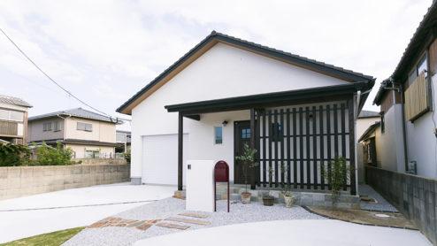 ちょっぴり和風なガレージハウス