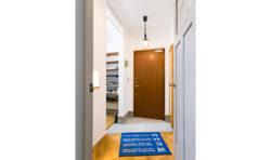 木製の玄関は、見た目だけでなく性能もすごいんです。