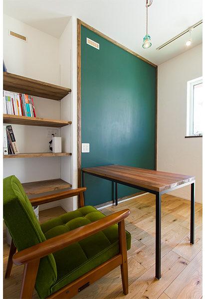 こだわりの書斎!まったりと過ごすプラーベート空間