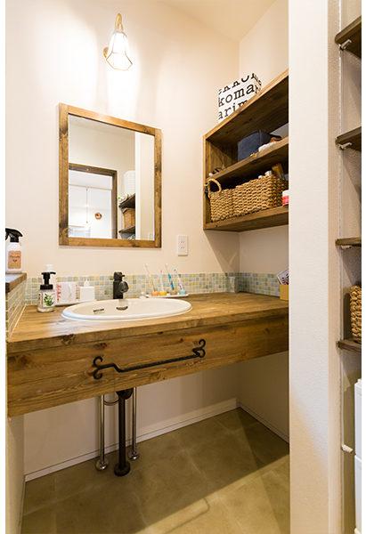 収納がたくさんある洗面室とても便利です