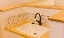 2階にはちょっとした手洗いスペースを